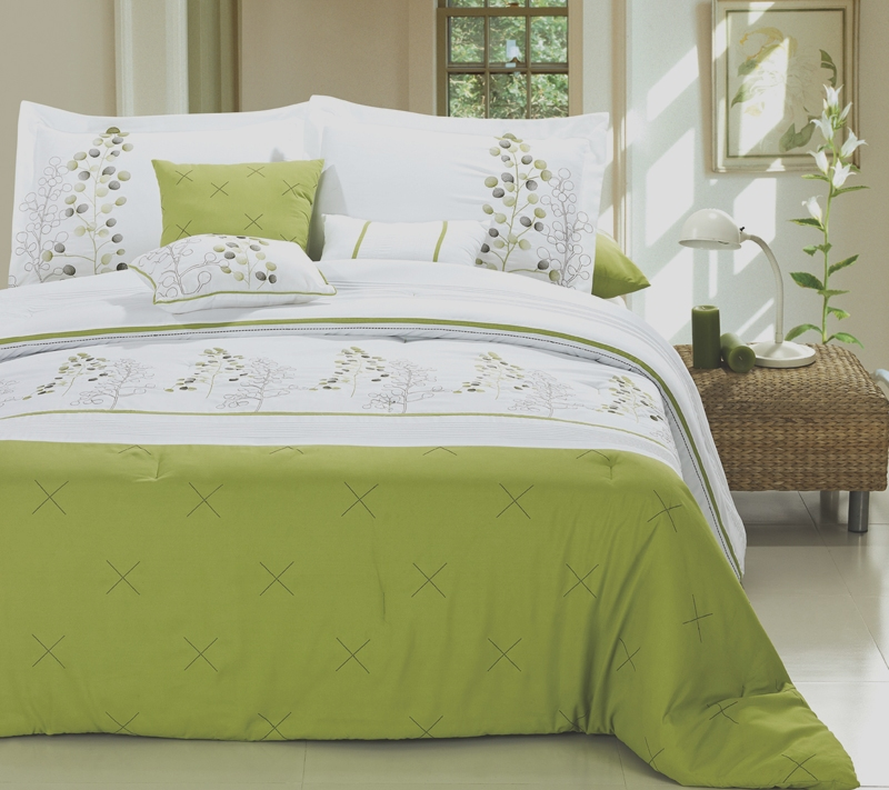 lime green bedding - 650×578